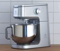 VášdokonalýAssistent:kuchyňskýrobotEKM7300zkolekceExpressionist