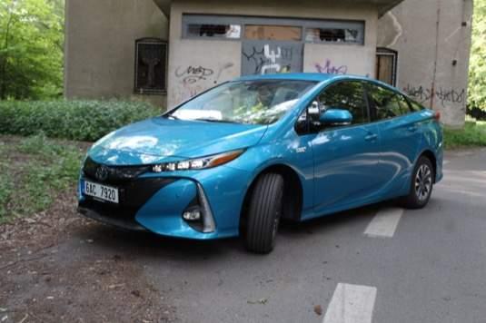 TEST:ToyotaPriusPlug-inHybridumíjezditza3,5l/100km